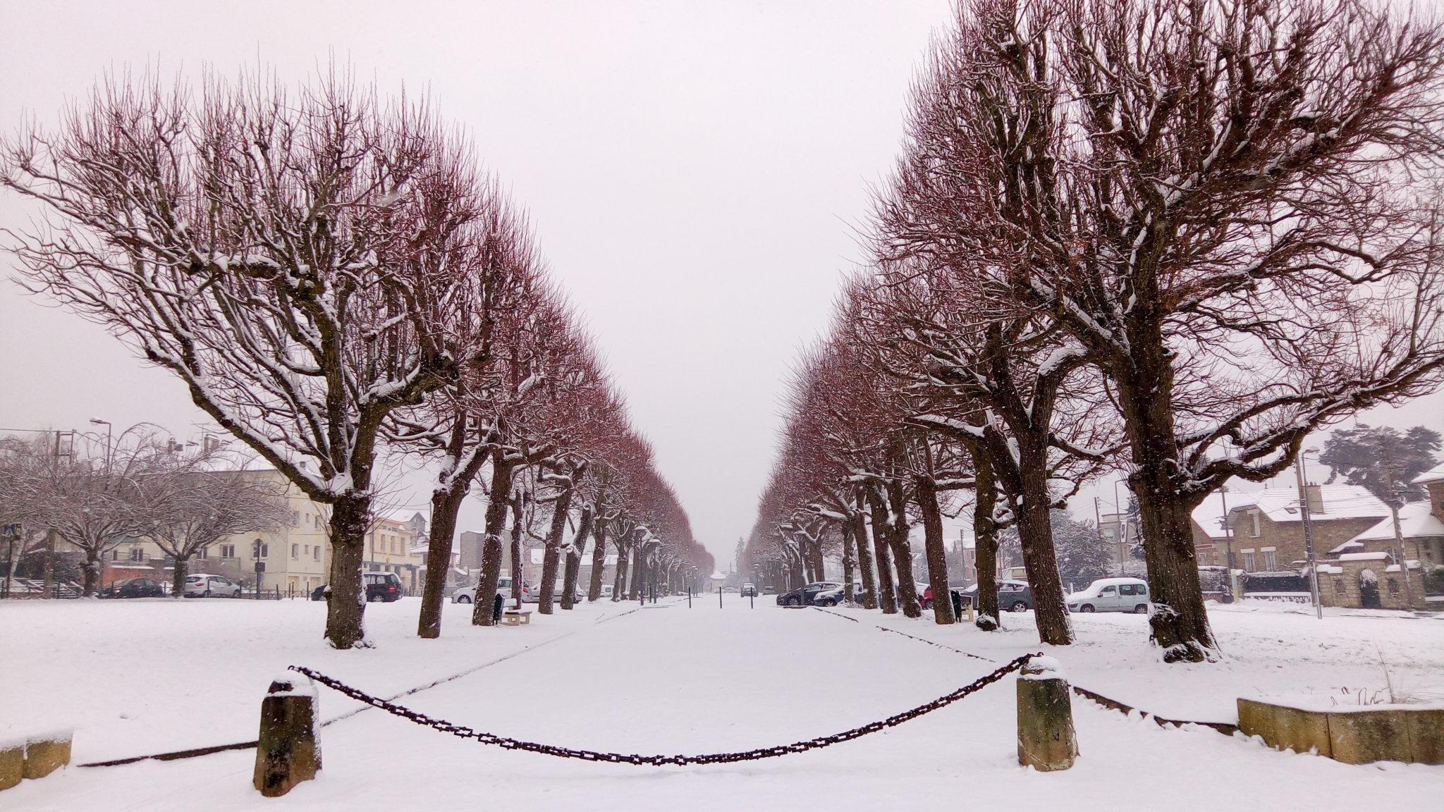 Esplanade sous la neige
